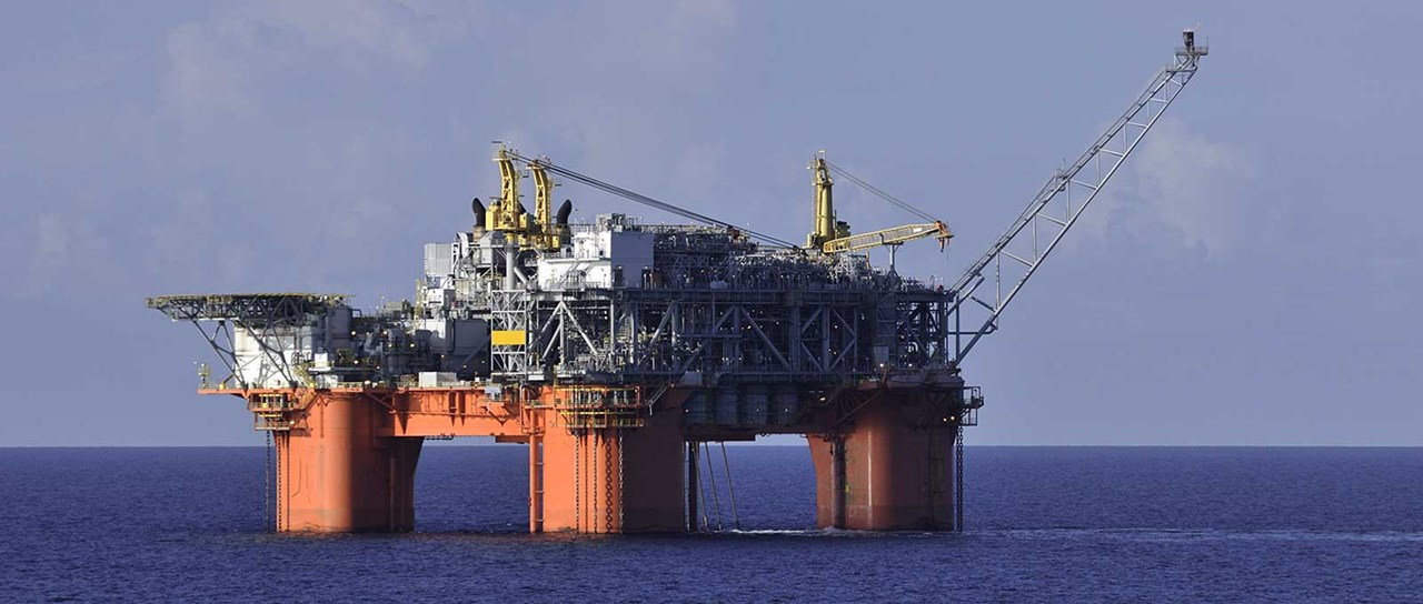 Transits for semi-submersible rigs and platforms
